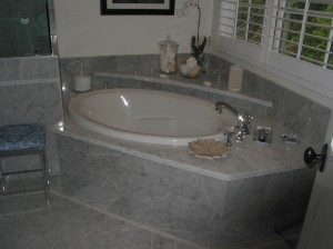 Corner Spa Tub in Master Bathroom
